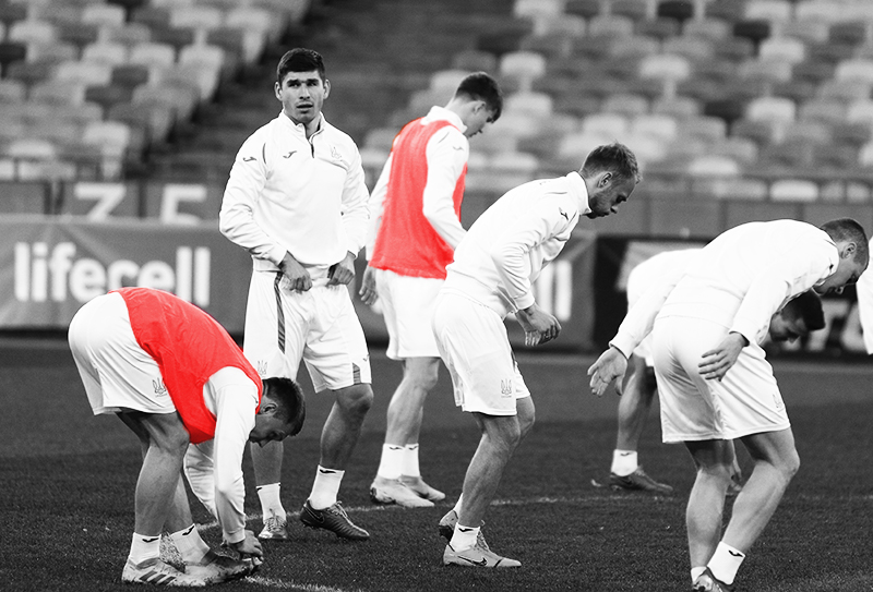Players Warming Up copy dynamic stretching